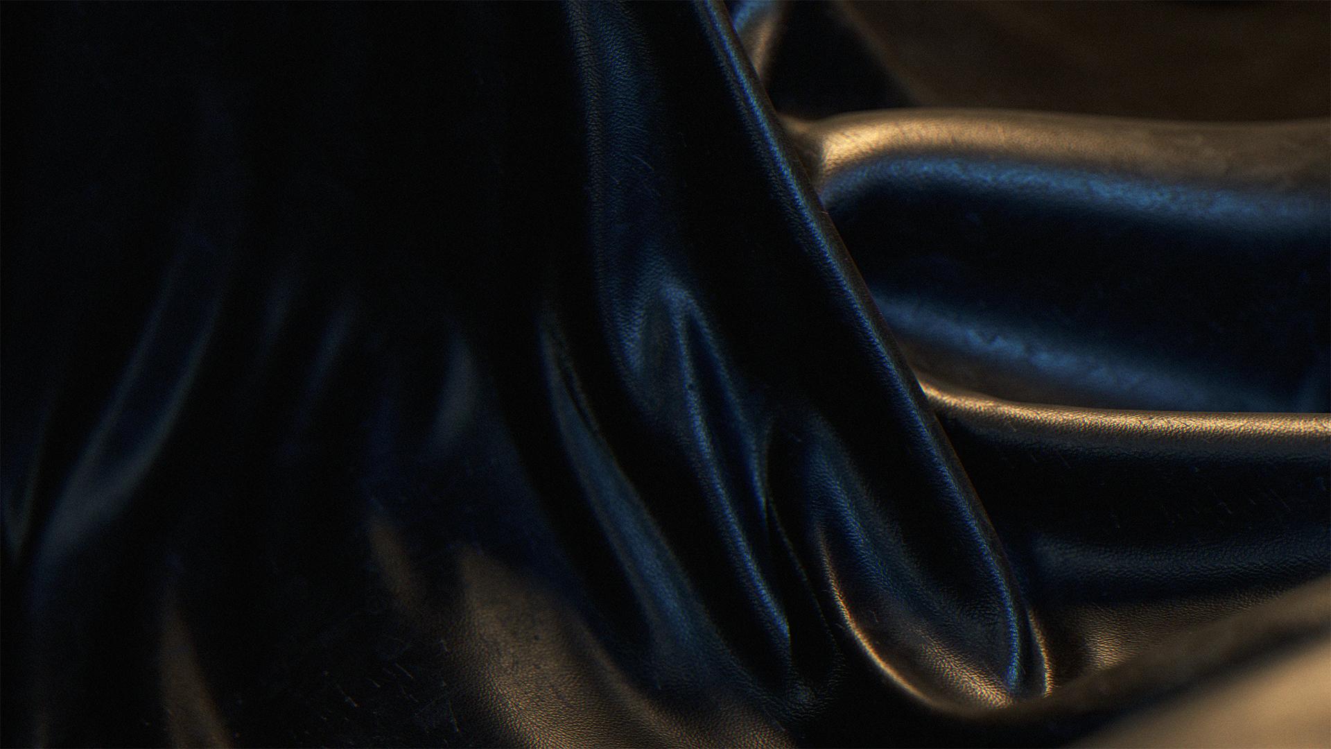 01_December_Materialthon_03_Leather_Frame.jpg